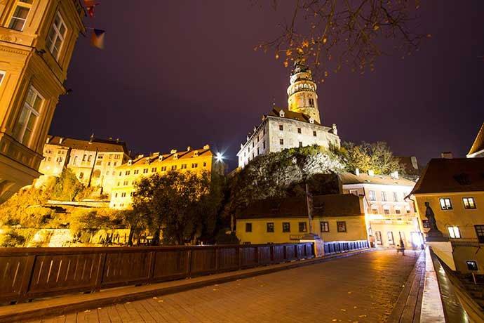 Cesky Krumlov por la noche