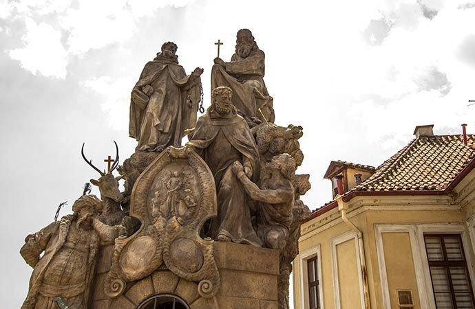 San Juan de Mata, San Félix de Valois y el beato Iván
