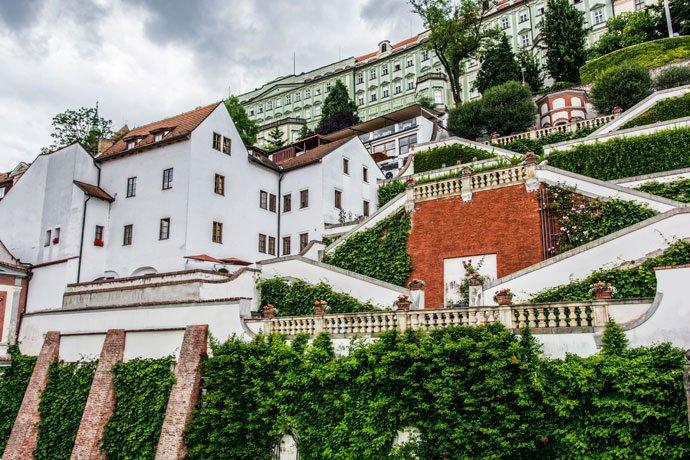 Jardines debajo del Castillo