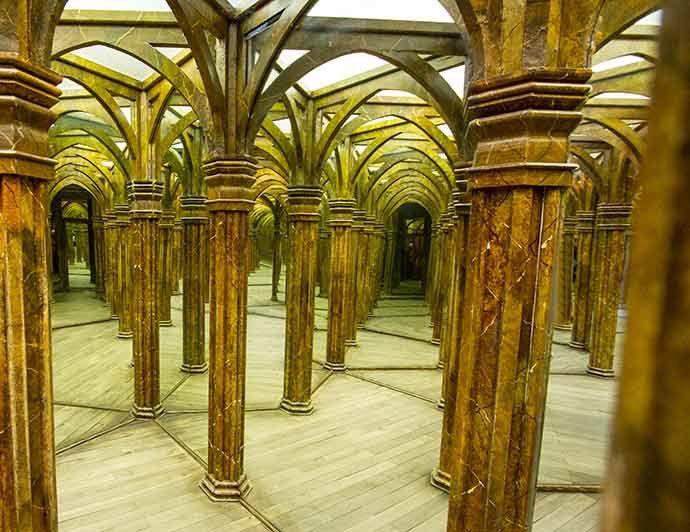 laberinto de espejos