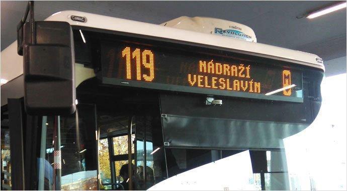 salir del aeropuerto de praga en autobus
