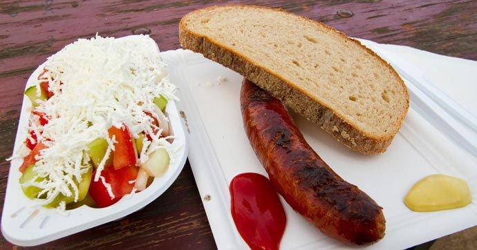 platos típicos: Šopský salát